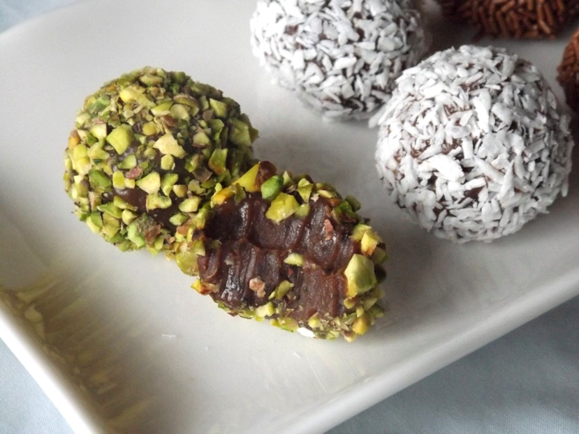 ... sprinkles chopped pistachio nuts (optional) coconut flakes (optional